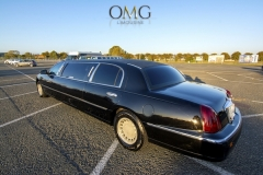 deluxe-black-limousine-2