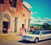 white-royal-limousine-interni-san-galgano